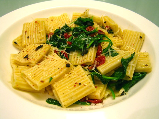 Pasta with spinach, sun-dried tomatoes and tryffel parmesa… | Flickr ...