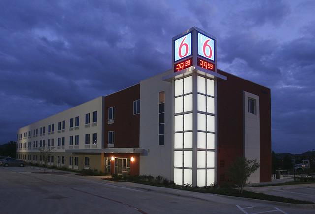 Motel 6 new prototype design flickr photo sharing for Motel exterior design