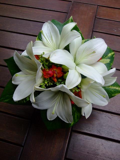 White Lilly Wedding Bouquet wwwfbdesigncomau P79 Fully wired posy shape