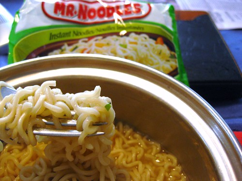 Instant fix for salt-carb-craving // Mr. Noodles by VeganBananas