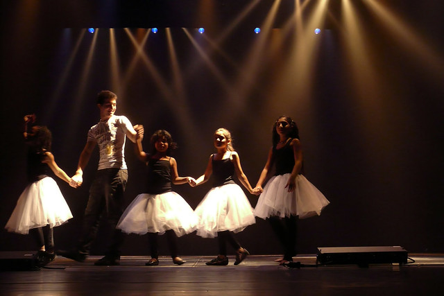 buy spectacle frames online  spectacle de danse 2011