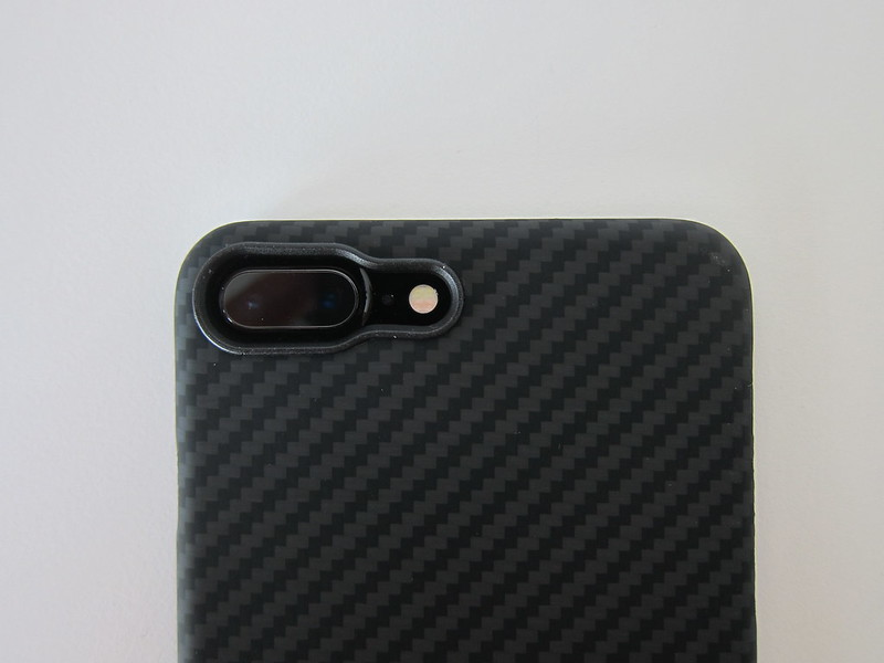 Pitaka's Aramid iPhone 7 Plus Case - With iPhone 7 Plus - Camera Hole
