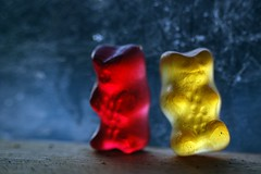 c´mon, red gummi bear!