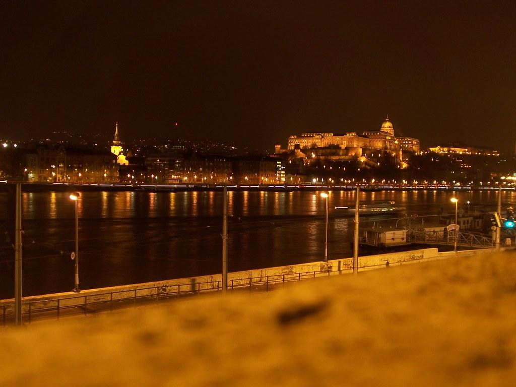 El Castillo de Buda de noche