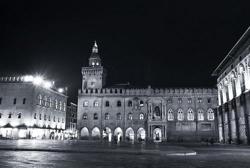 Bologna has no color