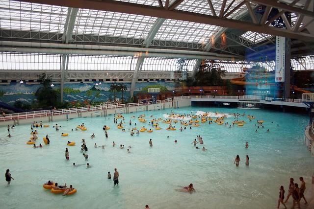 World Water Poor Largest Indoor Pool West Edmonton Mall Flickr Photo Sharing