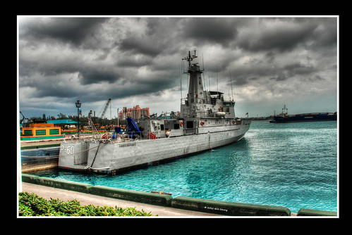 ship atlantis bahamas nassau hdr photomatix 3exp patrolboat hmbsbahamas