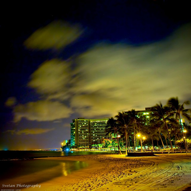 MIDNIGHT WAIKIKI BEACH MELANCHOLY