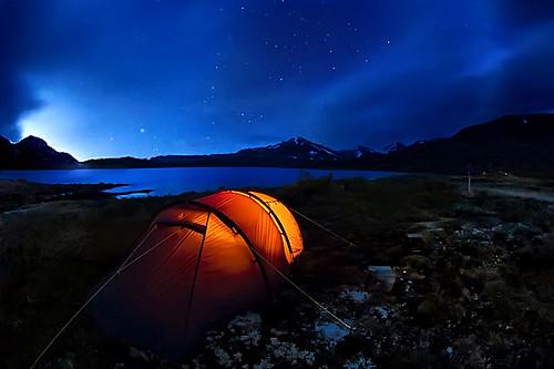 longexposure morning blue camping light orange cloud mountain lake norway night sunrise trekking d50 dark landscape star norge nikon horizon tent fjällräven climbing fjäll fjallraven tyin the4elements tyinholmen