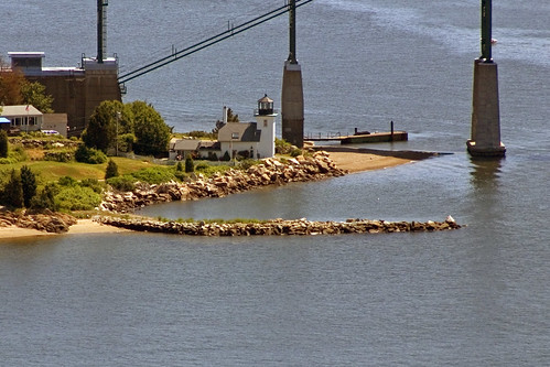 lighthouse bristol aerial rhodeisland mounthopebridge mounthopebay bristolferry bristolferrylight bristolferrylighthouse