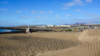 Playa Del Aeropuerto 長さ 552 メートルのビーチ の画像. beach spain aircraft ace lanzarote espana canaries matagorda arrecife gcrr aena puertodelcarmen lanzaroteairport