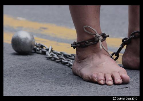 pies-encadenados