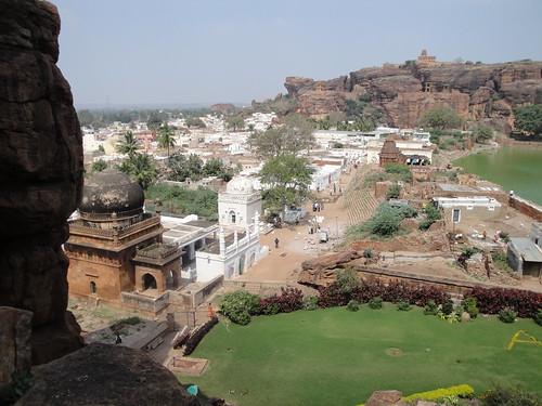 india architecture caves karnataka badami rockcut 6thcentury chalukyas