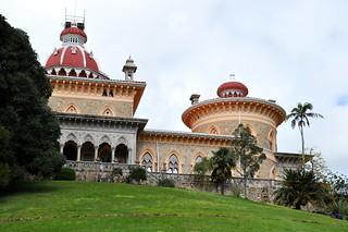 http://hojeconhecemos.blogspot.com/2010/04/palacio-monserrate-sintra-portugal.html