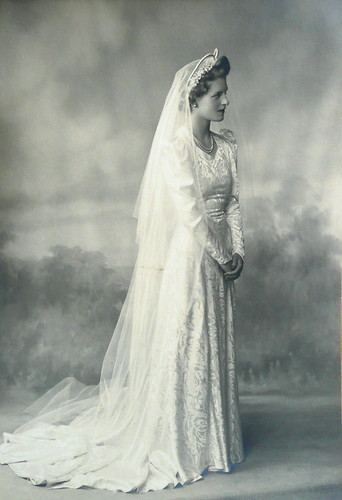 Vintage Wedding Dresses: 1940's