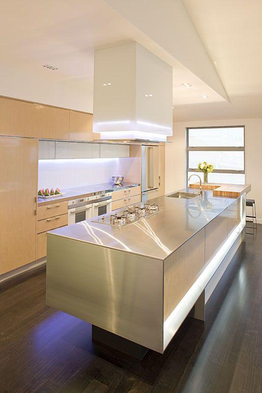 Modern kitchen remodeling designs with smart layout for Modern kitchen designs 2009
