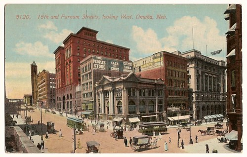 Old Vintage Postcard showing 16th and Farnam street, Omaha, Nebraska