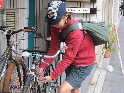 ENISHI CYCLECAP 釘抜きさん by CERRO TORRE LADY