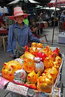 Bangkok - Vendor in Chinatown