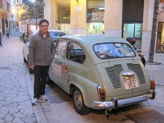 automobile(1.0), vehicle(1.0), fiat 600(1.0), city car(1.0), zastava 750(1.0), antique car(1.0), land vehicle(1.0),