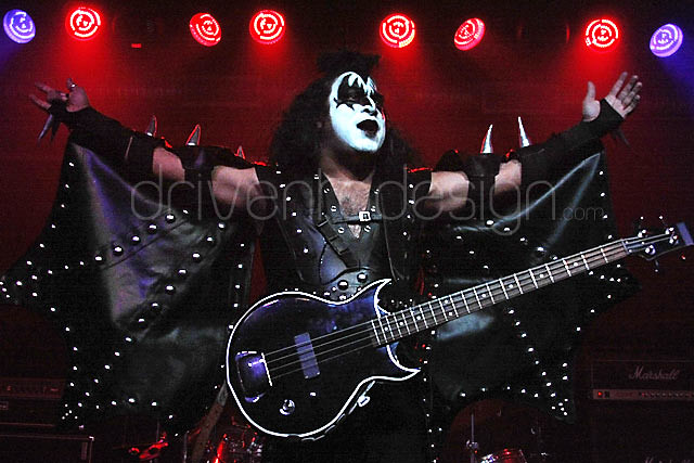 Kiss alive at crosstown station flickr photo sharing