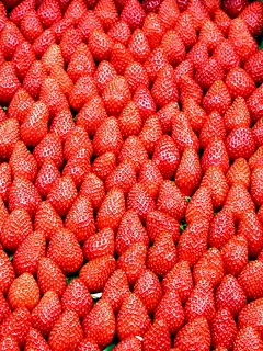 very berry beauty at Paris market