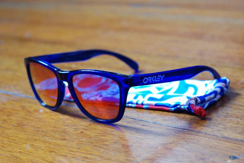 b1bfc8332a2 ... Oakley Frogskins Crystal Blue with Ruby Iridium