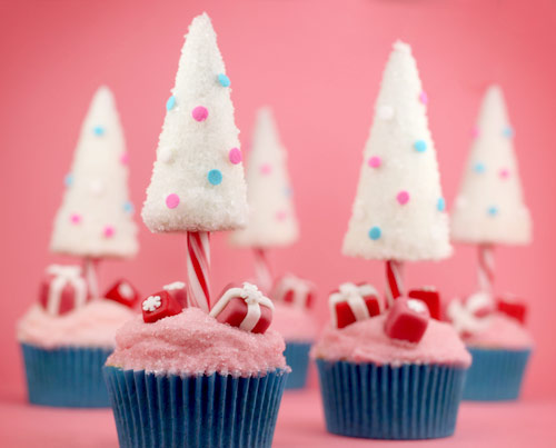 Cupcake Decorating Ideas With Candy : Candy Cane Christmas Tree Cupcakes   bakerella.com