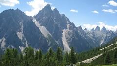 trail(0.0), adventure(0.0), walking(0.0), plateau(0.0), meadow(0.0), mountain pass(0.0), park(0.0), mountain(1.0), valley(1.0), mountain range(1.0), cirque(1.0), ridge(1.0), wilderness(1.0), massif(1.0), temperate coniferous forest(1.0), mountainous landforms(1.0),