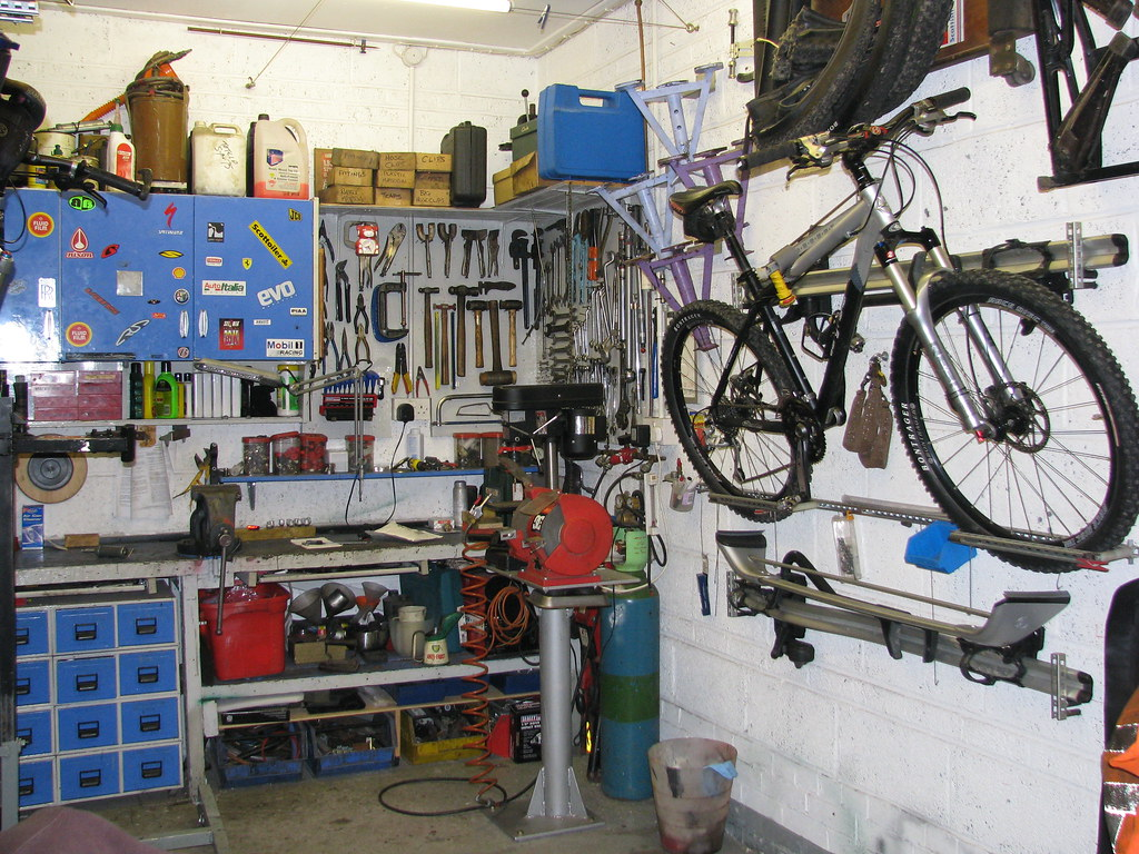 Garage workshop/man cave inspiration needed « Singletrack ...
