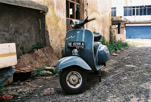 vespa vbc 1972 original paint by ziad ali attamimi