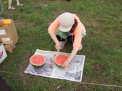 309 - Asahi cuts the traditional end-of-festival watermelon