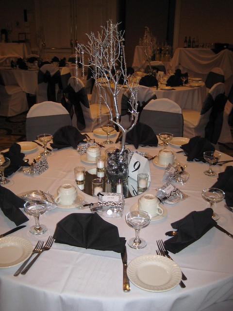 New years eve black white wedding centerpieces cupcake