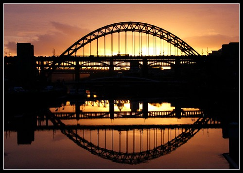 bridge sunset abstract newcastle oct tyne 09 toon picnik newcastlegateshead philwirks