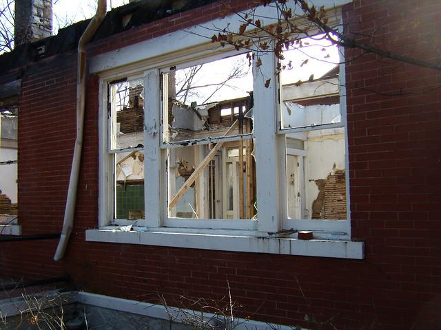 PB281990-2009-11-28-Goose-Burned-Paideia-School-West-Triple-Window