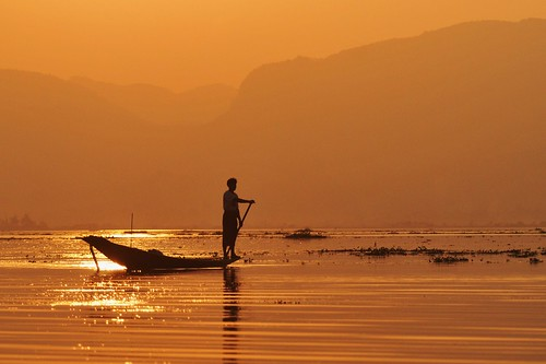 travel sunset sky colour silhouette fisherman burma myanmar inlelake