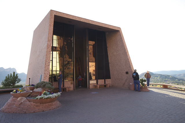 Chapel of the holy cross sedona arizona architecture for Sedona architects