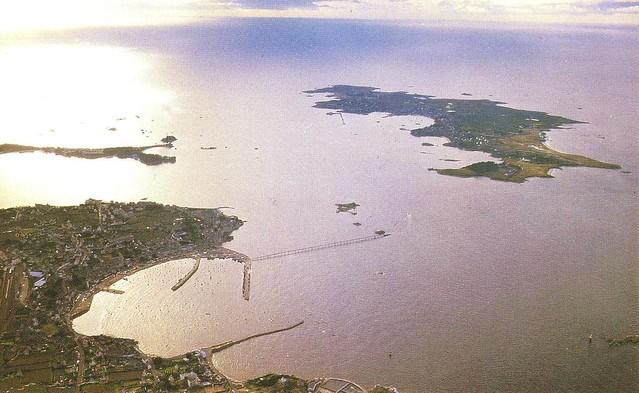Roscoff - Vue aérienne du chenal et de l'île de Batz