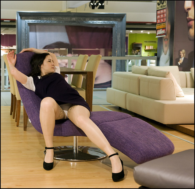 Upskirt - Shopping - long, sexy Legs