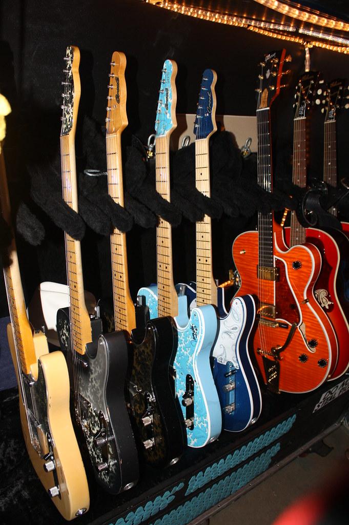 brad paisley gear as of 1 21 10 pics telecaster guitar forum. Black Bedroom Furniture Sets. Home Design Ideas