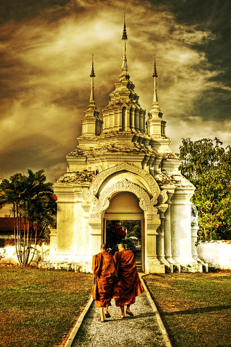 orange thailand asia southeastasia path spires monks chiangmai spiritual wat hdr robes bracey watsuandok tonemapped mywinners platinumphoto superaplus aplusphoto theunforgettablepictures andybracey pathwaytoenlightenment