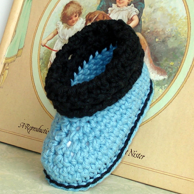 Easy Crochet Patterns For Newborn Booties : Cuffed boots baby shoes crochet pattern - a photo on ...