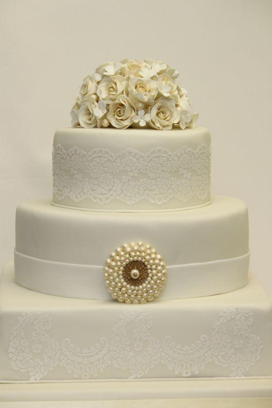 Hochzeitstorte elegant cremeweiß - a photo on Flickriver