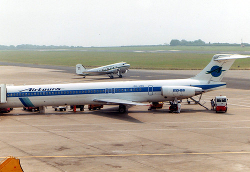 G-AMPZ and OH-LMU at Cardiff 01.07.93
