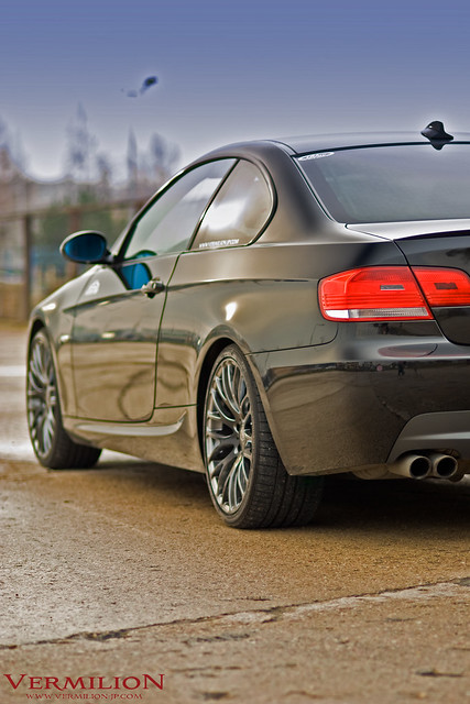 e92 bmw 330i with vermilion regnum black diamond wheels. Black Bedroom Furniture Sets. Home Design Ideas