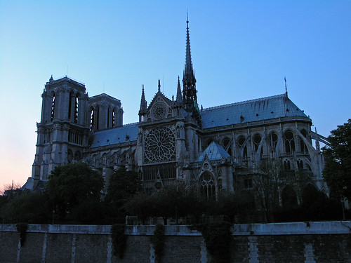 Notre Dame at night - sideview