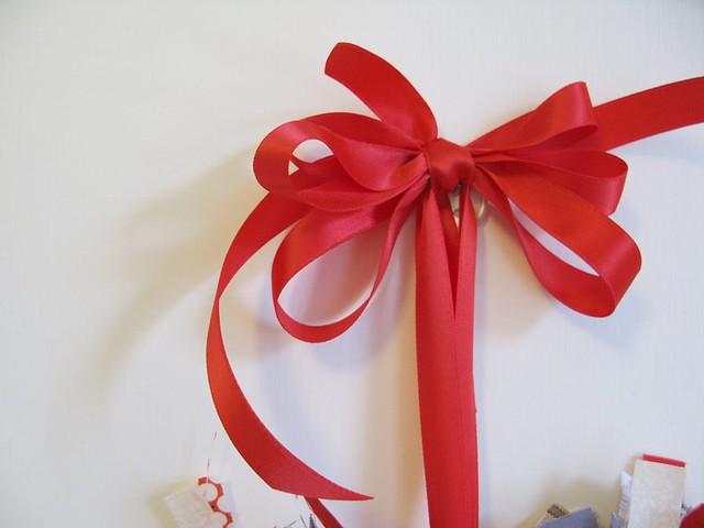 How to make a super quick festive wreath! | Emma Lamb