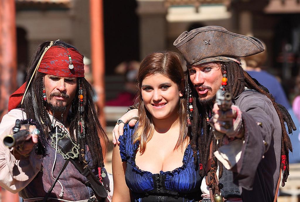 Aaarrrggghhh thar be two Captain Jack Sparrows at the AZ Ren Fest