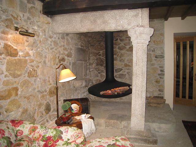 Chimenea quento gyrofocus en lareira gallega flickr - Fotos de chimeneas de piedra ...