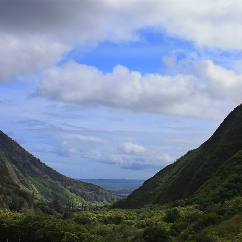 Looking out of the Iao Valley embeddded in the West Maui Mountains.